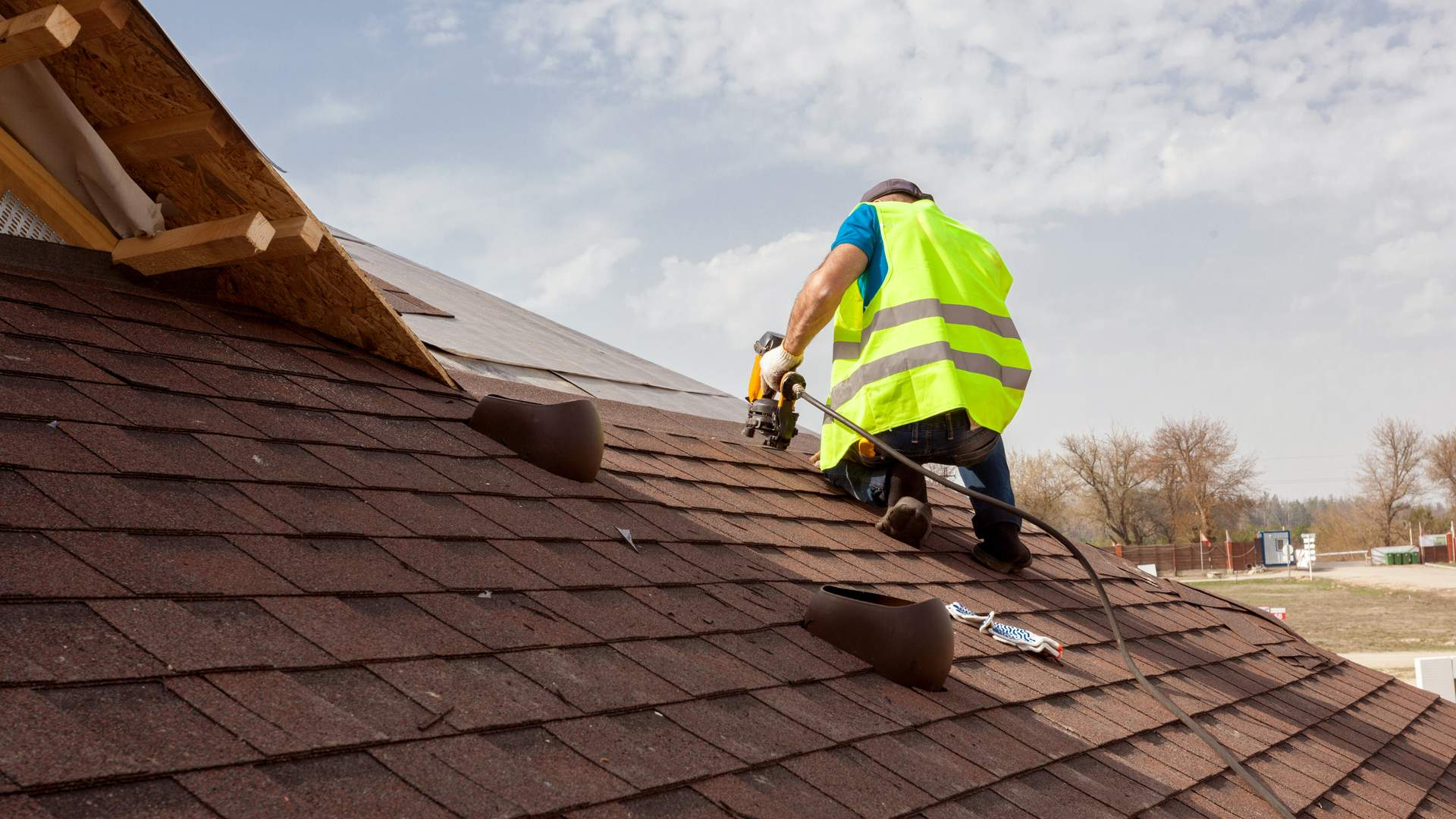As The Season Changes, Consider Roof Replacement