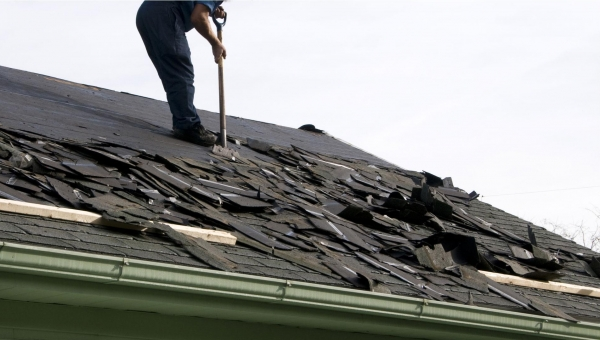 Houston Roof Repair Versus Roof Replacement: Which is Better?